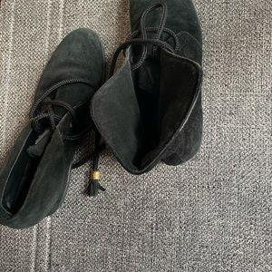 Louis Vuitton shoes  7.5 to 8